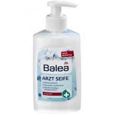 Жидкое мыло антибактериальное Balea Arztseife 300 мл
