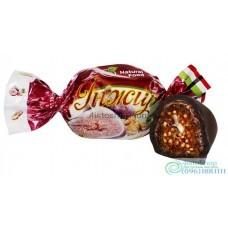 Опт Шоколадные конфеты с инжиром и грецким орехом 1000г